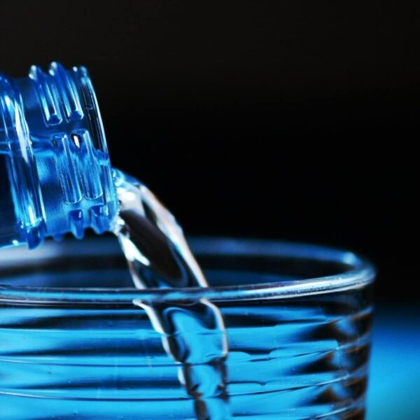 6 Important Signs That Your Body Needs More Water